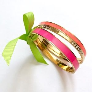 C. Wonder Neon Bangle Box Collector's Bracelet Set